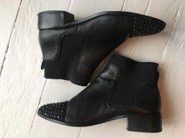Karen Millen schwarze Booties mit Verzierungen Ankle Boots