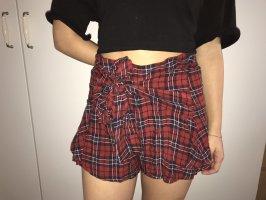 Karierte Shorts im Rocklook