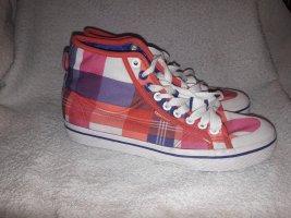 karierte Sneakers von Adidas