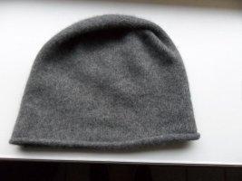 COS Bonnet gris cachemire
