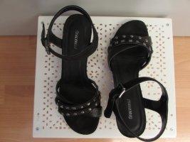Keilabsatz Sandalen mit Nieten
