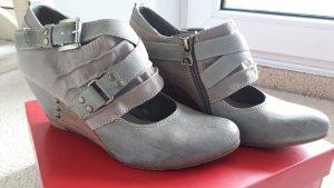 Keilabsatz Schuhe 40 neu taupe