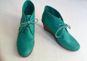 Keilabsatz-Schuhe in schönem Türkiston