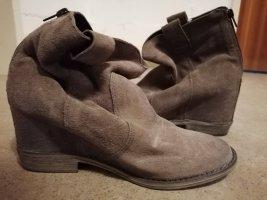 Catwalk Laarsjes met sleehak grijs-bruin