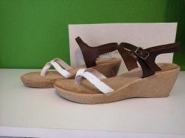 Sandalo toe-post bianco-marrone