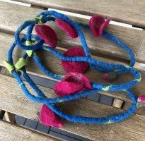 Kette Band Filz Schlauch Loop Blüten purpur 4 cm Knospen Blätter Länge 140cm
