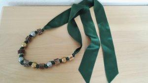 Kette Halskette Trachtenkette Landhaus Trachtenstyle 138 cm lang grünes Satinband mit Schmucksteinen