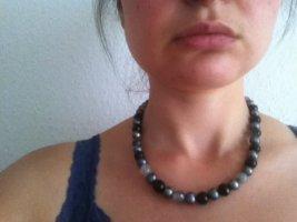 Collana di perle antracite