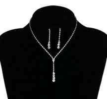 Collar estilo collier color plata-blanco metal