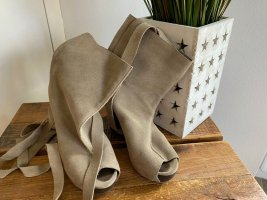 Khaki farbene Pumps / High Heels von Vibram, Gr. 37 *neu*