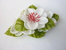 Kirschblüte Haarblüte Haarschmuck modisches Sommer Accessoire weiß grün