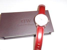 Klasse Daniel Wellington Armbanduhr mit Lederarmband