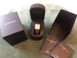 Klassische Armani Uhr