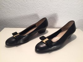 Klassische Salvatore Ferragamo Schuhe Gr.39,5