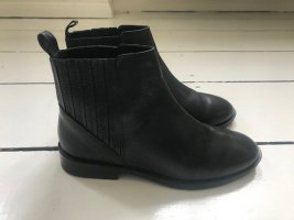 Klassische schwarze Chelsea Boots - Größe 36