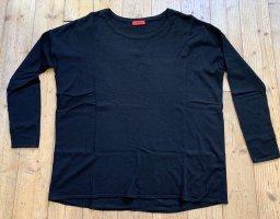 Klassischer schwarzer Wollpullover von Hugo Boss