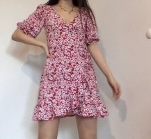 Kleid Bershka Blumen