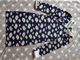 Kleid mit Kragen und Manschetten
