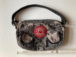 Kleine Handtasche Pussy Deluxe, Farben: grau, schwarz, rot