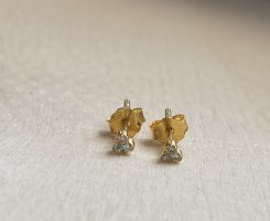 Silver Ear stud gold-colored
