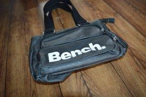 Kleine schwarze Bench Handtasche