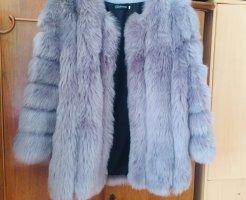 100% Fashion Veste en fausse fourrure gris clair