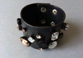 -Armband schwarz mit Steinen