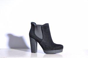 Kurt Geiger Plateau-Stiefeletten schwarz Street-Fashion-Look Gr. 40.5