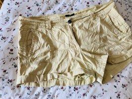 H&M Pantalón corto crema-beige claro