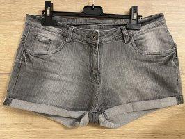 Kurze graue Hose / Jeans Shorts