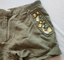 kurze Hose mit Glitzersteinen