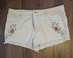 H&M Divided Pantalón corto de tela vaquera blanco