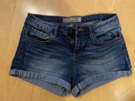 kurze Jeanshose Gr. 34 von Amisu