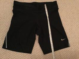Kurze Nike Sporthose