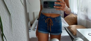 FB Sister High-Waist-Shorts brown-dark blue