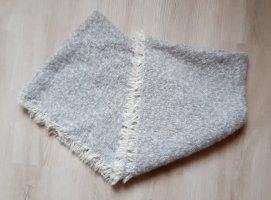 keine Marke Sciarpa lavorata a maglia bianco-grigio chiaro