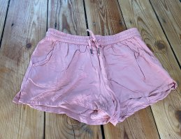 Lachsfarbene Shorts