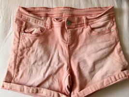 Lachsfarbenen Shorts
