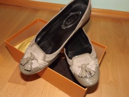 Tod's Patent Leather Ballerinas camel