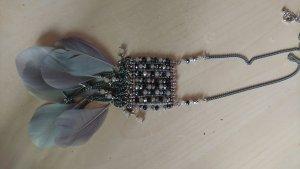 Lange boho Kette mit federn und Perlen