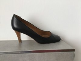 Laurel Pumps
