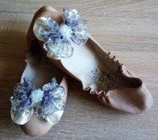 Lavelle Ballerinas in gr 38 Farbe Beige mit Süsse Schleife Echtes Leder
