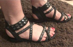 Leder Sandalen mit Nieten