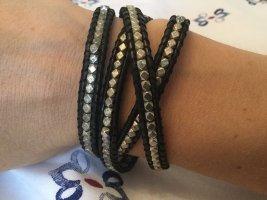 Lederarmband mit Perlen