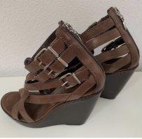 Schutz Sandały na platformie jasnobrązowy