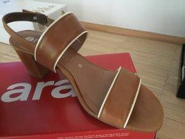 ara Sandalo con cinturino e tacco alto cognac-crema