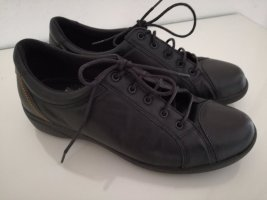 Lace-Up Sneaker black