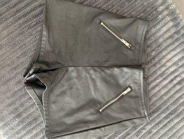H&M Pantalón corto de talle alto negro