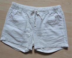 leichte weiße Sommer Short