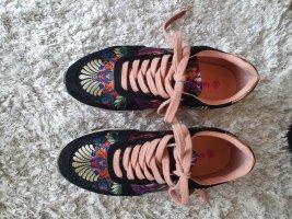 Leichter Sneaker Gr.36